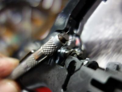 ワイヤー破片は磁石で吸着